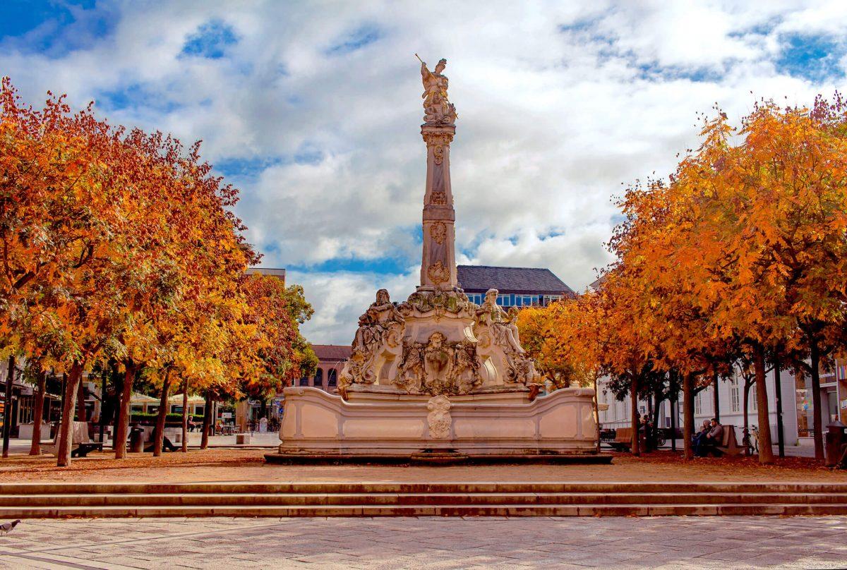 Trier Sankt Georgsbrunnen fountain
